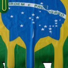 Brasil Derrete, se Afoga e Berra Bazófias